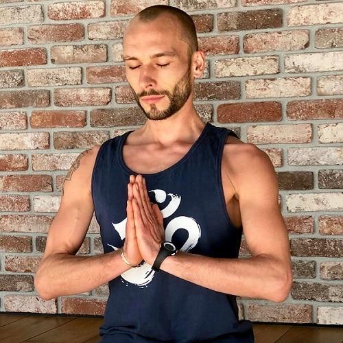 Clement prof hatha yoga nantes
