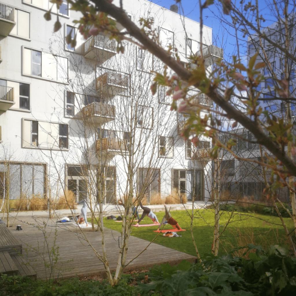 cours de yoga au jardin Nantes