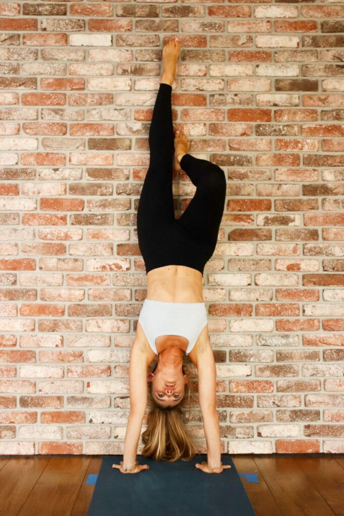 justyna flexions arriere inversions yoga nantes